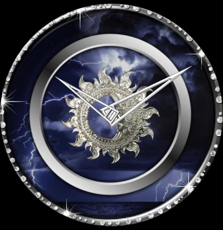 Clock Diamanten Mond