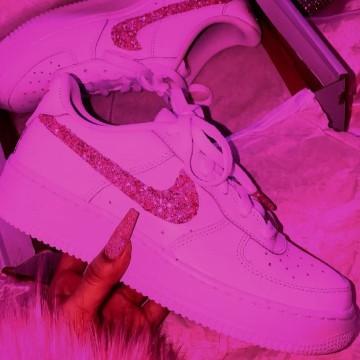 hot pink shoe