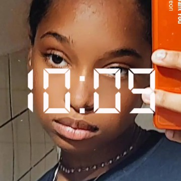 background hour Eliane